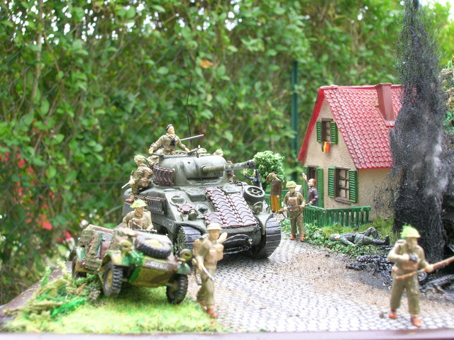 """""""Libération"""" - Belgique 1944 --- Sherman Firefly (Armourfast 1/72) + Sd.Kfz 251 (Revell 1/72) - Page 2 Dio_fi20"""