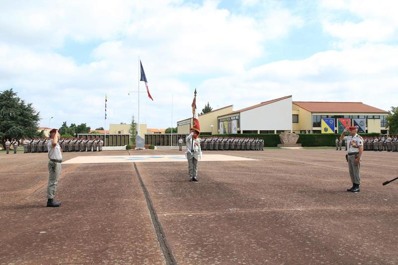 Passation de commandement au 1er para Pass410