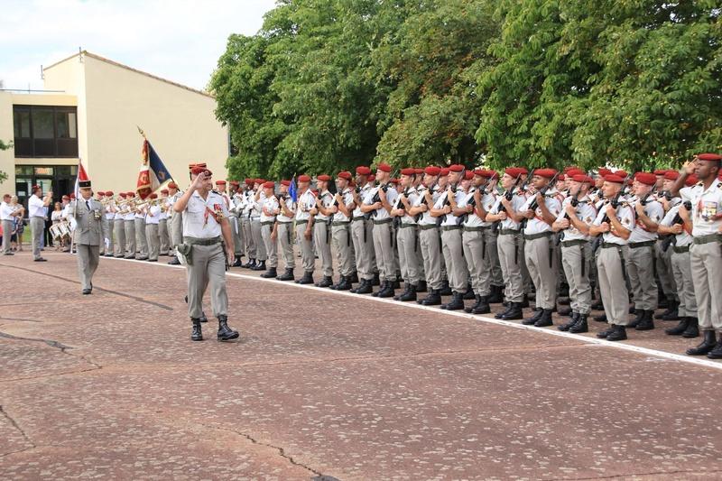 Passation de commandement au 1er para Pass_310
