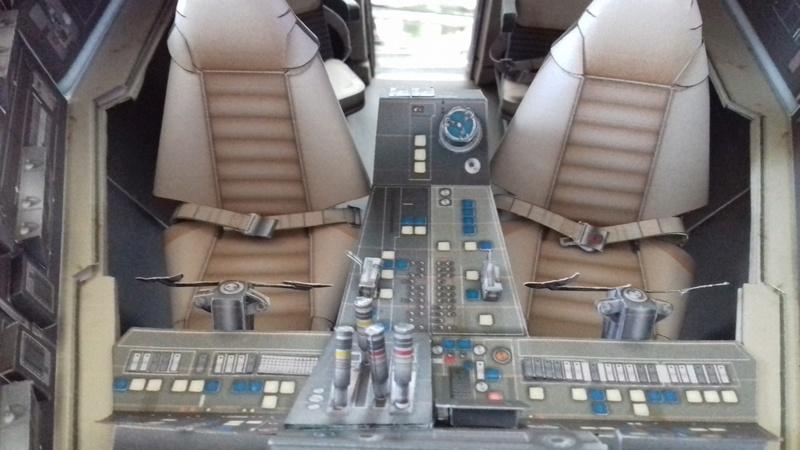 Millennium Falcon von Uhu 02 00611