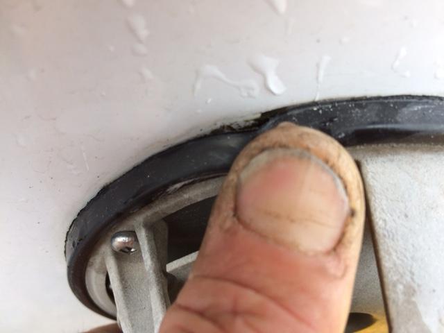 Infiltration d'eau Soyez vigilant !!! Faite vos inspections rigoureusement Image210