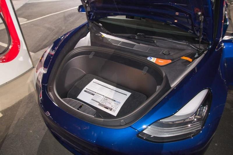 Tesla : la model 3 dévoilée - Page 23 Avant10