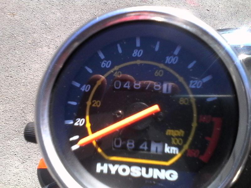 """A VENDRE HYOSUNG COMET GT 125cc """" VENDUE """" Img_2112"""
