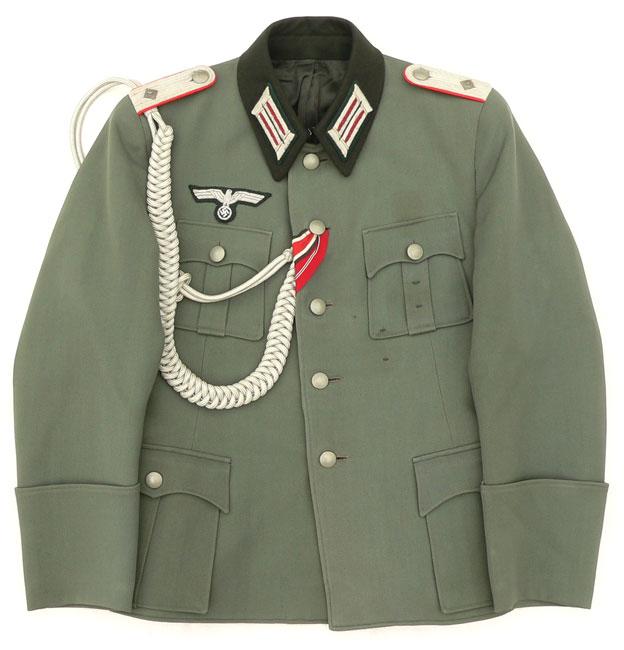 Aiguillette sur veste 4 poches officier allemand??? Offici10