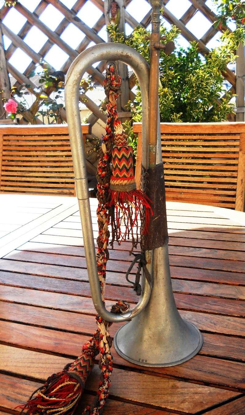 Les instruments de musique : caisses - tambours - clairons - trompettes  - Page 3 Dscn0429