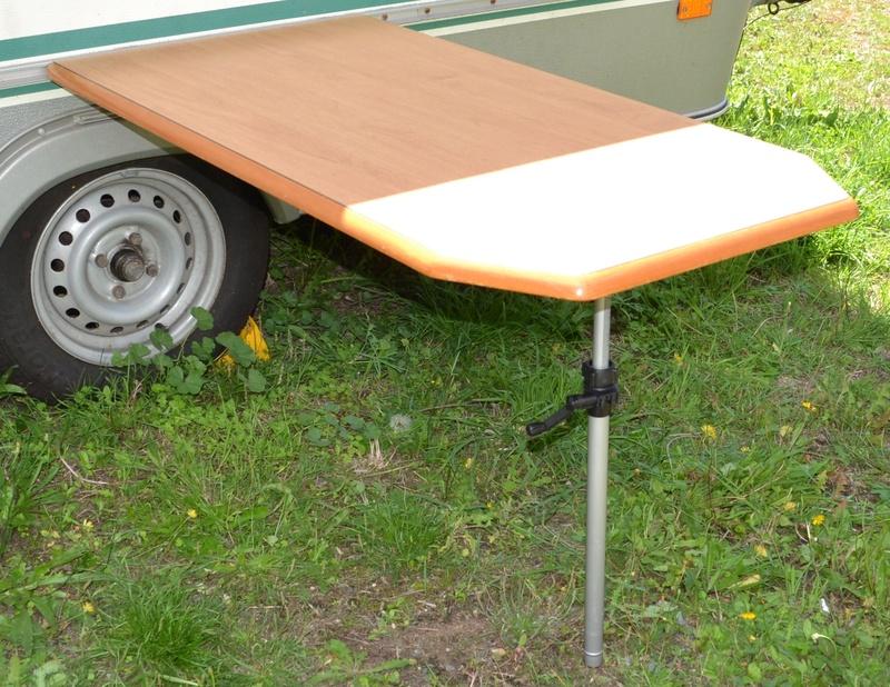 Eriba Pied de table extérieure réglable. Dsc_0224