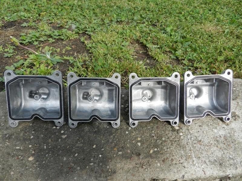 Démontage rampe carburateurs - Page 2 Dscn3321