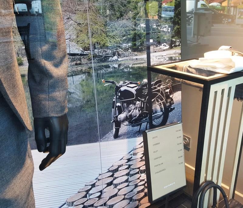 Vieux Flats dans la réclame ou les vitrines 20170826