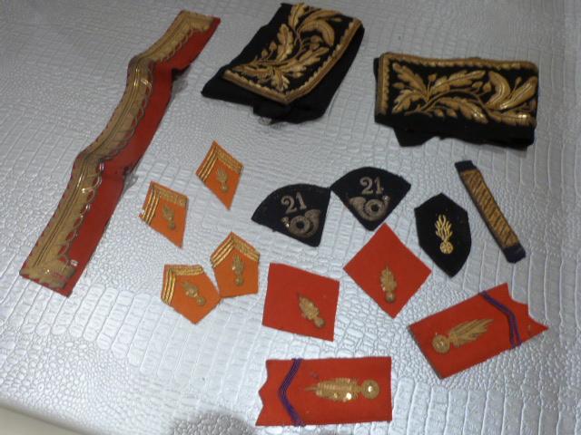 lot de pattes de col orange, et divers P1020718