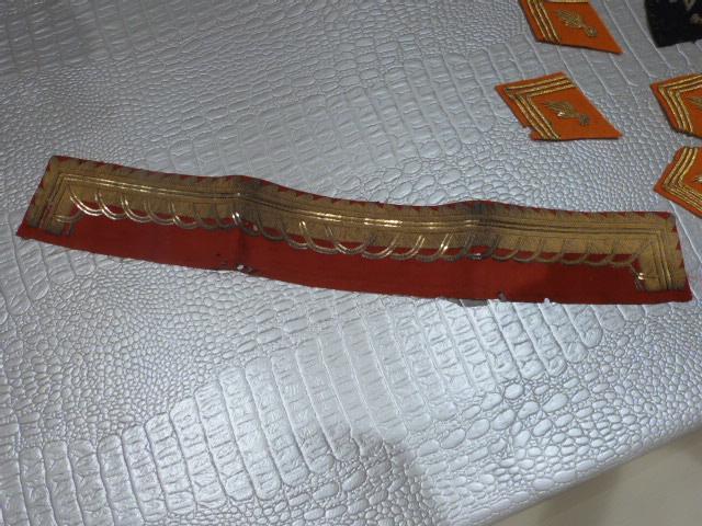 lot de pattes de col orange, et divers P1020719
