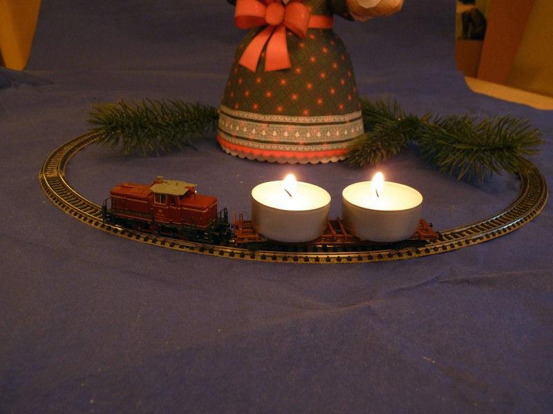 Die besinnliche um den Adventskranz/Weihnachtsbaum Rennbahn Anlage 2_adve13