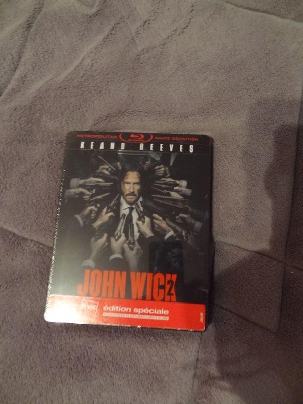Les DVD et Blu Ray que vous venez d'acheter, que vous avez entre les mains - Page 6 Dsc09210