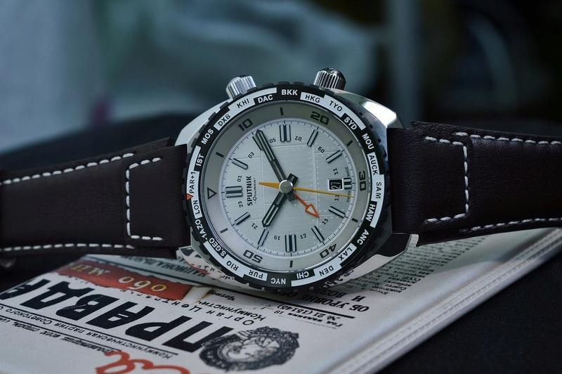 Gruman Sputnik GMT White_11