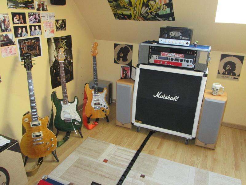 """Votre """"coin"""" guitare! Postez vos photos! - Page 3 Img_2718"""