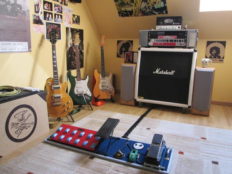 """Votre """"coin"""" guitare! Postez vos photos! - Page 3 Img_2720"""