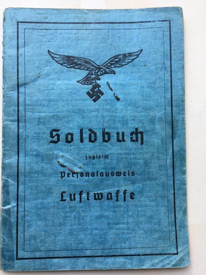 Soldbuch Luftwaffe 1944-1945 à déchiffrer svp 110