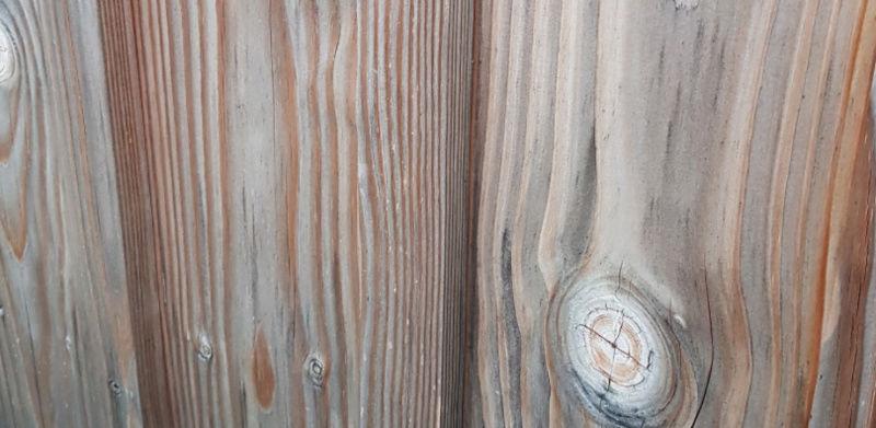 Bardage bois douglas: lui conserver son aspect 'recent' Captur10