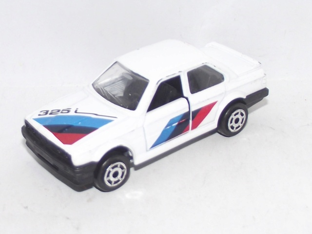 N°229A BMW 325 I 229_bm10