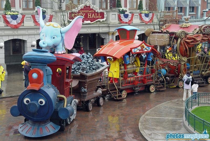 [Disneyland Park] Soirée du Nouvel An (31 décembre 2017) - Page 6 Dumbo10