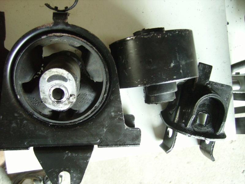 Changement courroie distribution S3 2,4l essence : le support moteur Sb2910
