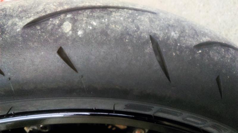 """[PNEUS] Mettre du pneu """"Sport-GT"""" sur le 1290... - Page 3 Imag2127"""