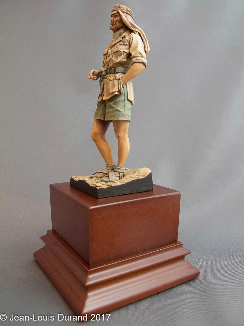 TERMINE - Officier SAS, Le Caire 1942 - YOUNG MINIATURES - 90mm - Acryliques Sas_1935