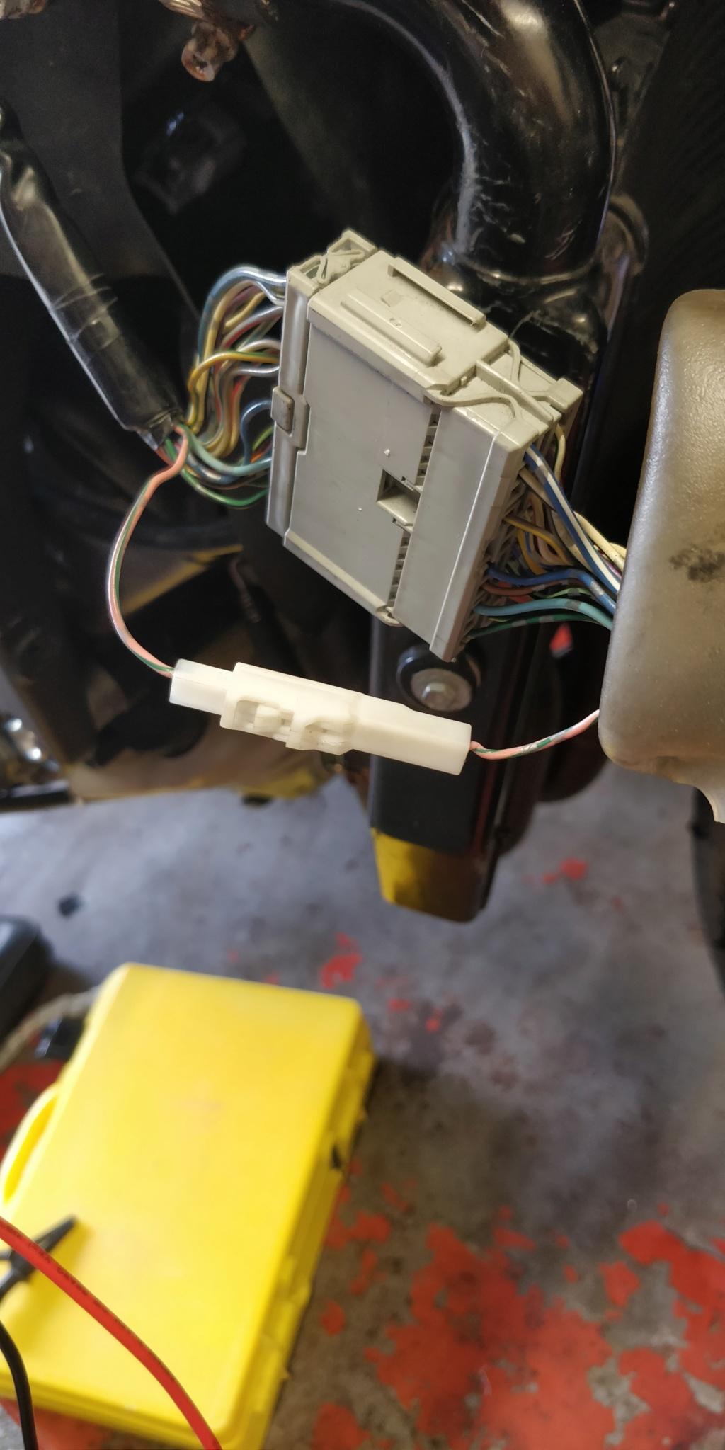 Problème compteur vitesse CBR 600 RR 2009 Img_2011