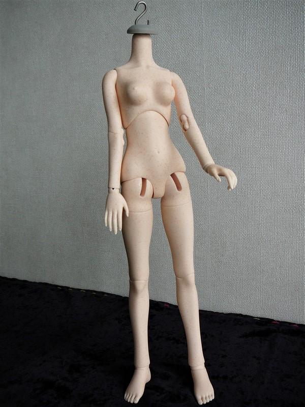 Alyona, poupée d'artiste (Somnia Dolls) 01_tac10