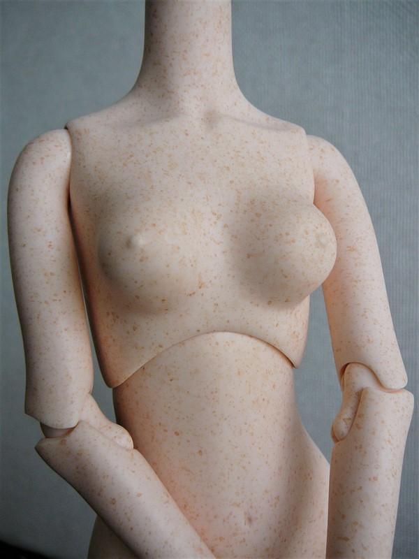Alyona, poupée d'artiste (Somnia Dolls) 02_dyt10