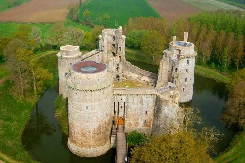 Chateaux de la Bretagne 20374210