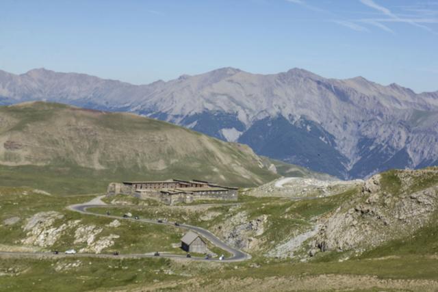 """Sur la route des """"Grandes Alpes"""" en Zoe Q210 - Page 2 Img_9013"""
