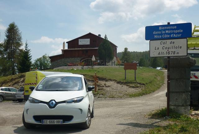 """Sur la route des """"Grandes Alpes"""" en Zoe Q210 - Page 2 P1020213"""