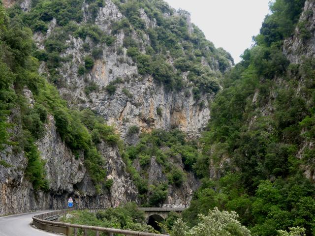 """Sur la route des """"Grandes Alpes"""" en Zoe Q210 - Page 2 P1020221"""