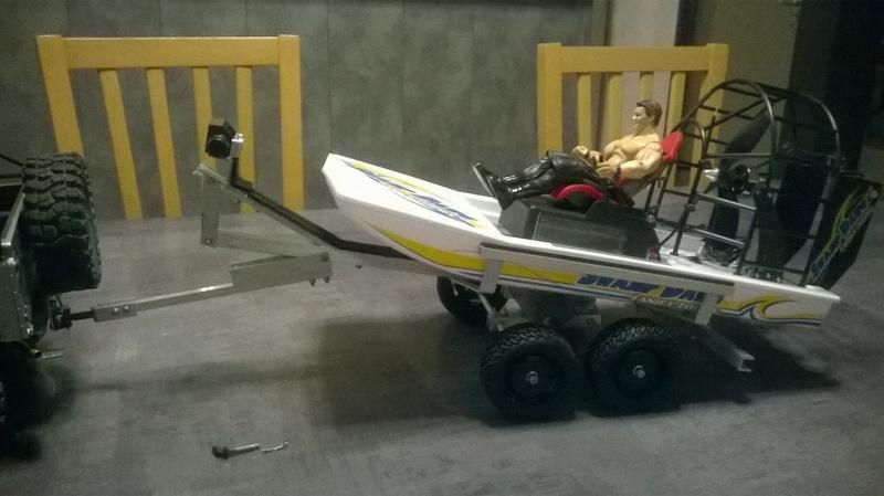 Hydroglisseur des marais et sa remorque Wp_20131