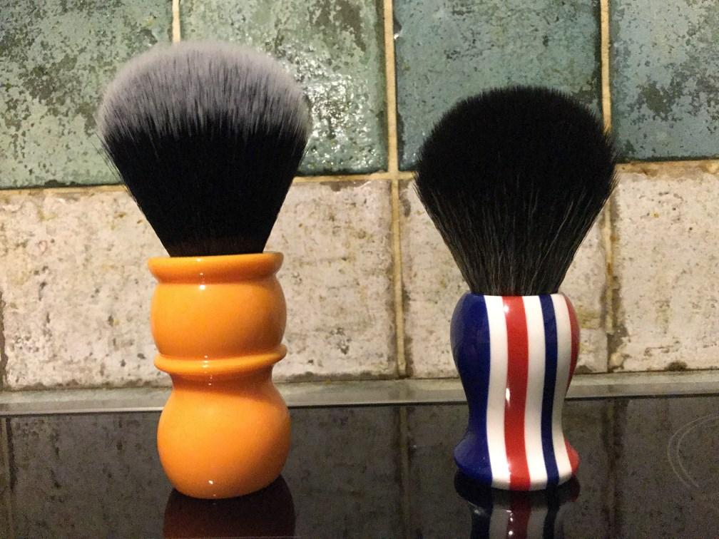 YAQI : Brosse synthétique de style Tuxedo la Balustre - Page 4 Photo_21