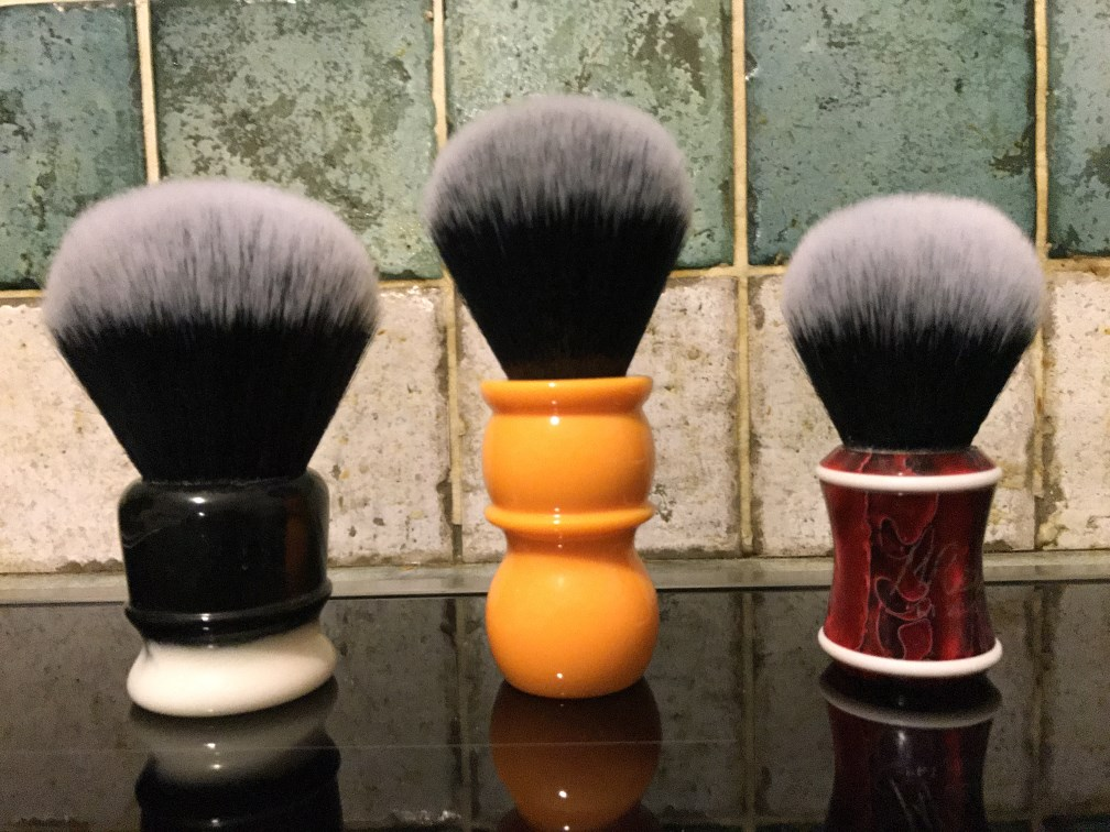 YAQI : Brosse synthétique de style Tuxedo la Balustre - Page 4 Photo_22
