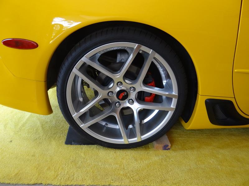 Dimensions idéal des pneus sur jantes 19/20 Dsc02310