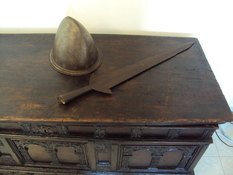 Arme d'hast: pertuisane XV-XVIème siècle Dsc02076
