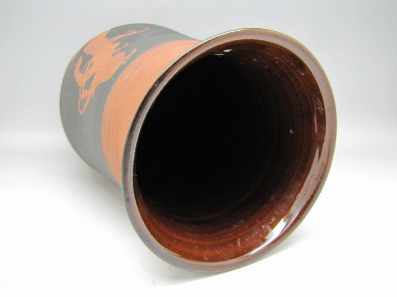 Sgraffito  terracota vase by Rectors Pottery, Caulcott, Oxon. Img_5014