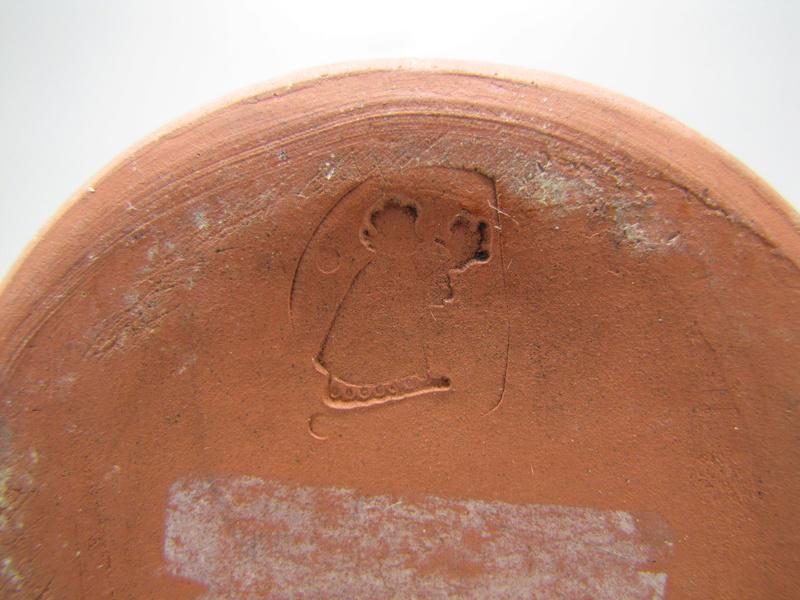 Sgraffito  terracota vase by Rectors Pottery, Caulcott, Oxon. Img_5018