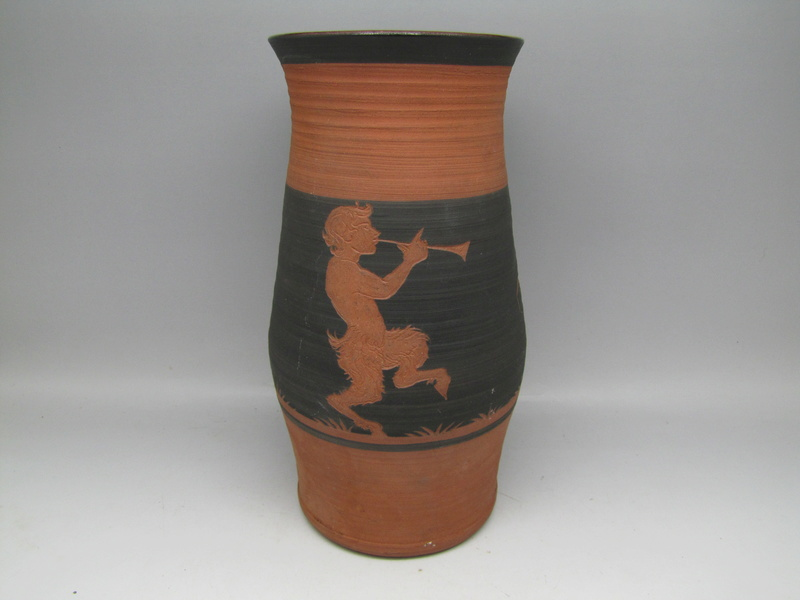 Sgraffito  terracota vase by Rectors Pottery, Caulcott, Oxon. Img_5019