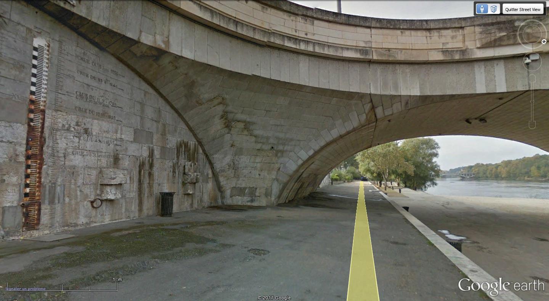 Street View : Les repères de crue - Page 3 Tours_11