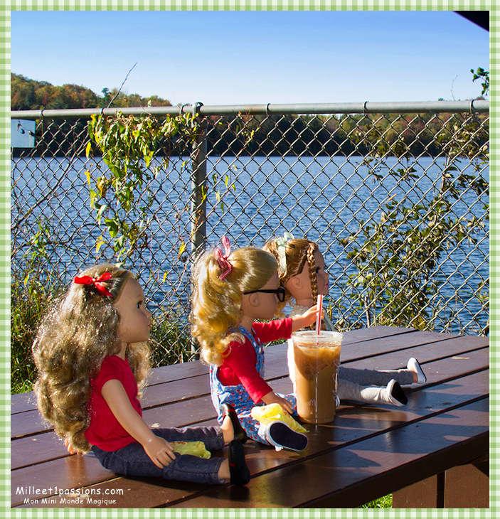 Mes poupées au Canada/USA : 25/06 - p.36   (nettoyage de voiture, balade et question, robe amérindienne, esquimau glacé) - Page 4 Img_6913