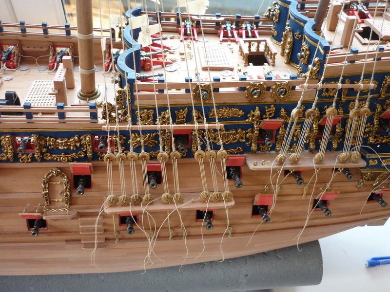 """Construction du """"Sovereign of the Seas"""" (SotS) au 1/84 (Partie 2)  - Page 38 P1100911"""