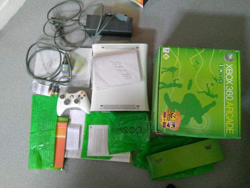 [VENDS] Xbox360Arcade+DD120Go Img_2011