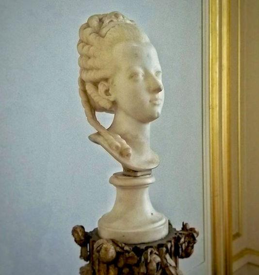 Buste de Marie-Antoinette sur piédestal dynastique, musée Cognacq Jay Buste_10