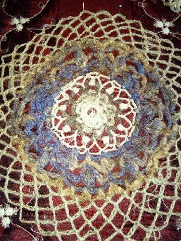 FREE FORM CROCHET à partir de Toison brute de Mouton : Robe en Laine Couleurs douces délicates Bleues Beiges Ecrues Coton perlé  Lama_121
