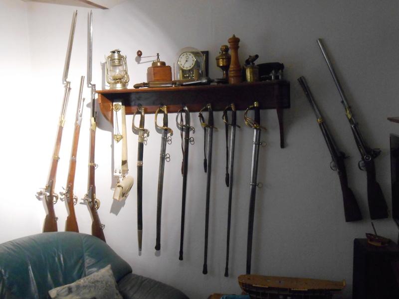 Comment stockez vous vos sabres ? Dscn2110