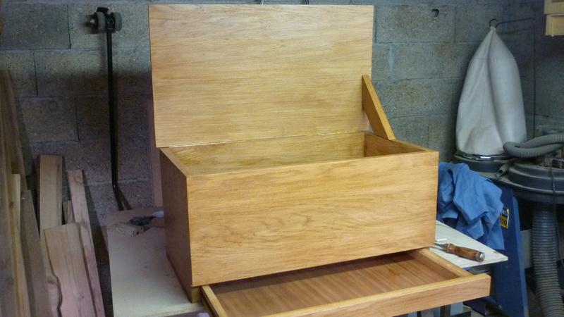 Caisse a bois ordinaire mais pas que P3410