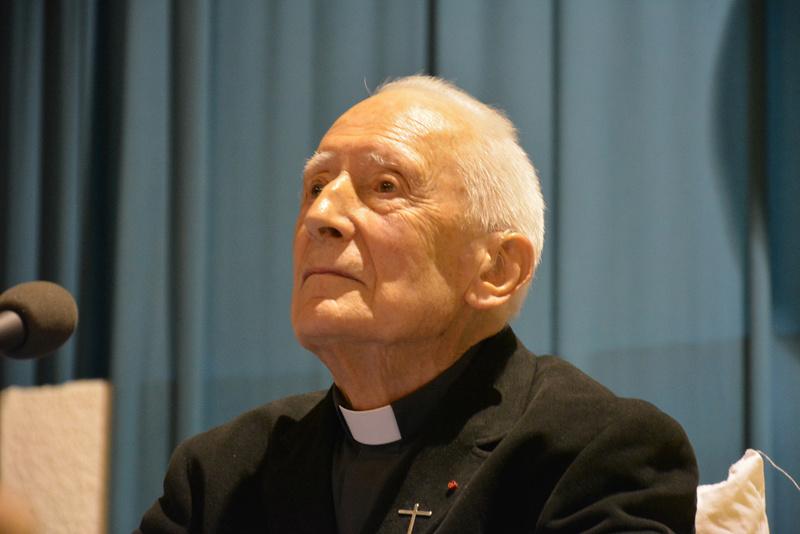 Décès et obsèques de Monseigneur René Laurentin Abby_r10